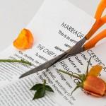 Divorcer ou pas après l'adultère? Le faire serait puéril